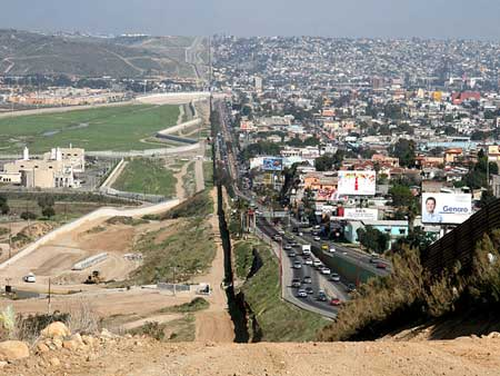 San Diego-Tijuana Border from the Ground