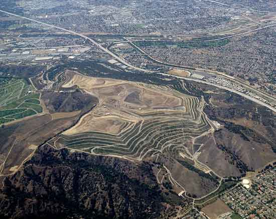World's Tallest Landfill, Puente Hills, California: 2 Square Kilometres (700 Acres) 500 Feet High