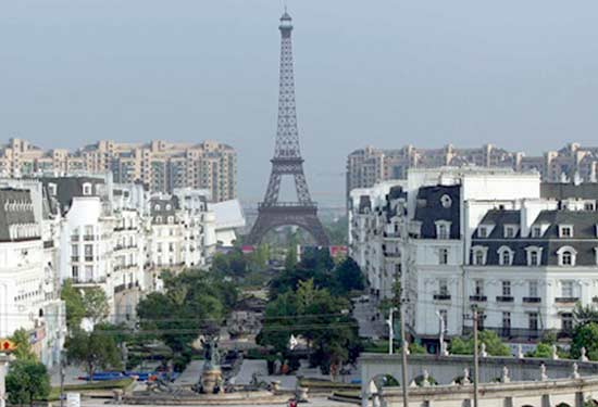 Those New Chinese Cities - Tianducheng a ghostly abandoned clone of paris in the middle of china