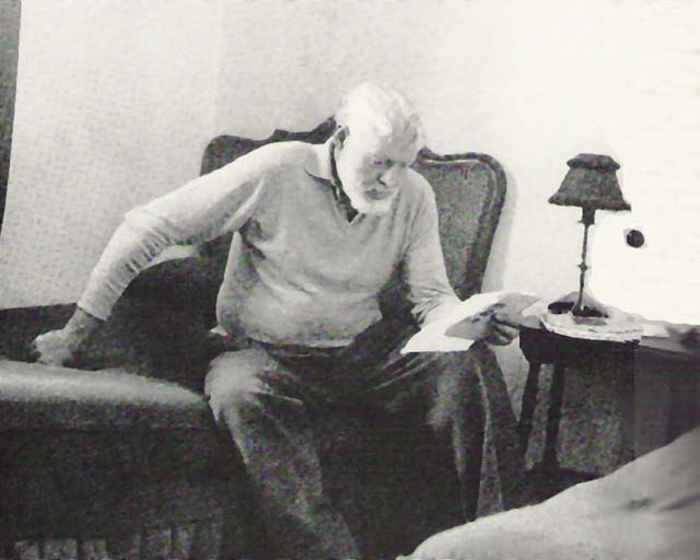 the early life and literary style of ernest hemingway Hemingway's iceberg theory highlights the symbolic author of hemingway's early jackson (1989) ernest hemingway: the life as fiction and the.