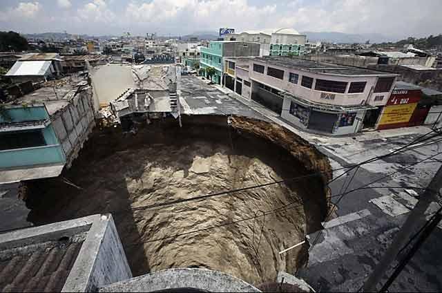 Guatemala+sinkhole+2010