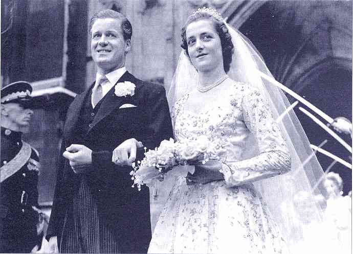 princess diana wedding pictures. The late Princess Diana#39;s
