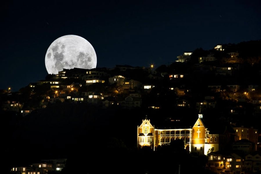 Wellington Supermoon