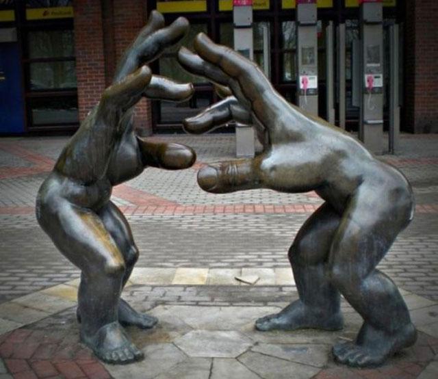 Hand to Hand Combat Sculpture Real Hand-to-hand Combat